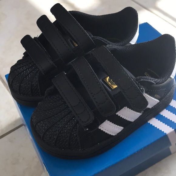 competitive price 1a33d 701a5 New w Box Infant Adidas Superstars Sz 5